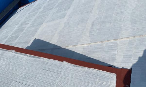 遮熱用反射型シーラーホワイト塗布、錆止め2