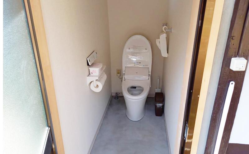 外トイレ施工後