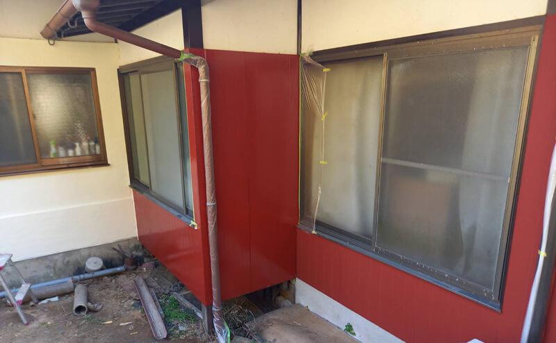木部壁張り替えと下塗り完了