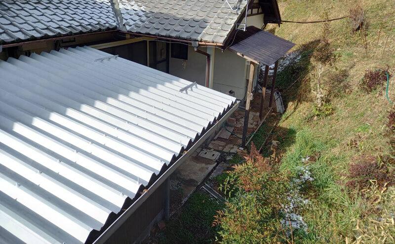 折半屋根下塗り完了